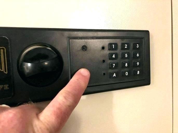 mechanical lock gun safes