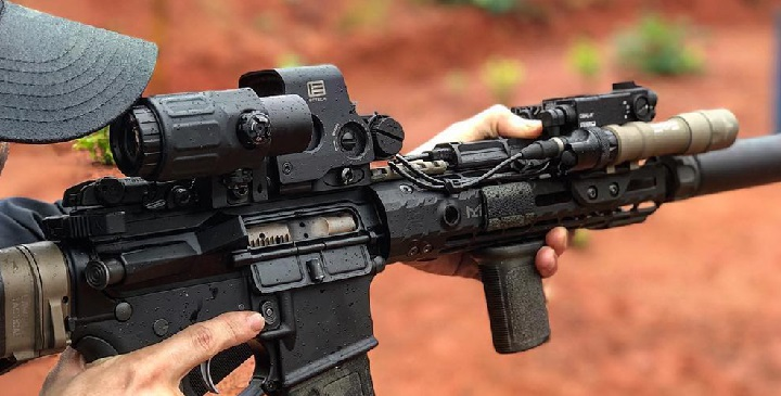 ar15 with eotech